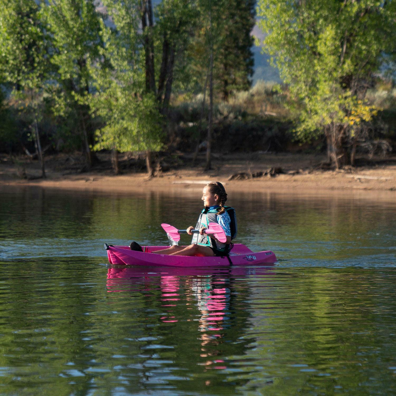🌸 Youth Kayak Lifetime Pink 🔥Ships Fast🔥