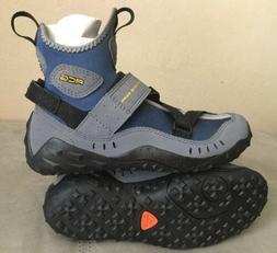 Nike Women Water or Kayak Shoes, Size 6 NEW